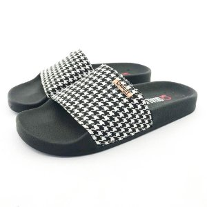 Chinelo Slide Quality Shoes Feminino Quadriculado Preto e Branco Sola Preta