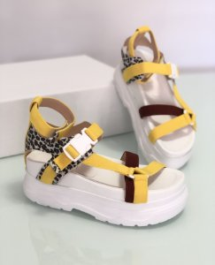 Sandália Flat Maya branca com amarelo e bordô