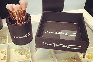 Bandeja MAC com pé de Metal e Vidro Interno