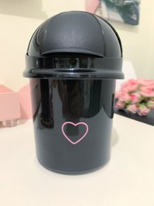 Lixo Preto Coração Vazado Rosa