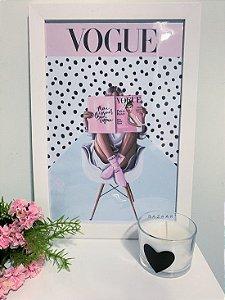 Quadro Menina Vogue moldura branca