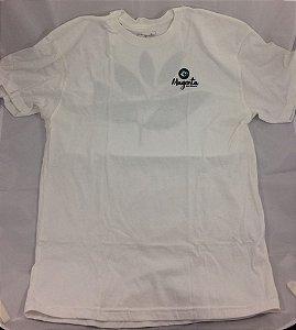 Camiseta Magenta Skateboards Branca GG