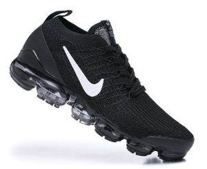 Tênis Nike Air VaporMax 3 - Preto e Branco