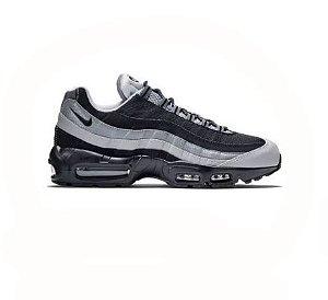 Nike Air Max 95 - Branco e Preto