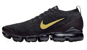 Tênis Nike Air VaporMax 3 - Preto e Dourado