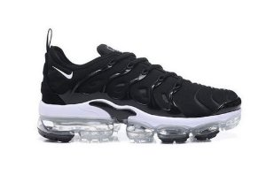 Nike Air VaporMax Plus - Preto e branco
