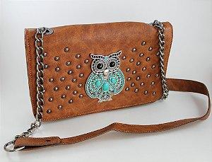 Bolsa em couro tamanho médio de coruja toda trabalhada em aviamentos e alça de corrente