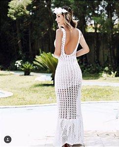 Vestido longo offwhite com bojo e decote divino nas costas