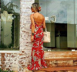 Vestido longo com estampa deslumbrante em tons de vermelho