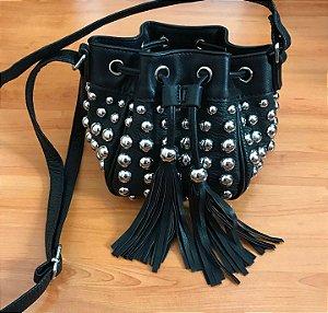 Baby bag saquinho preto com detalhes em metais prata