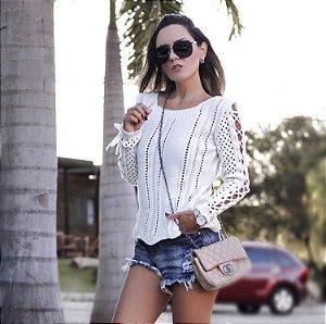 Blusa em tricot offwhite muito fofa