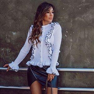 Blusa em tricot offwhite maravilhosa