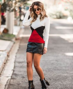 Suéter tricot gola alta triângulos