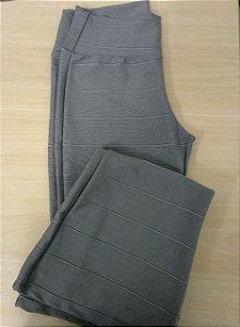 Calça bandagem acetinada cinza escuro
