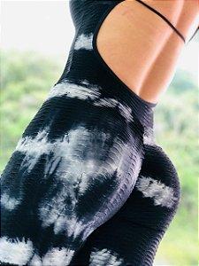 Macacão fitness levanta bumbum na cor preto e branco - tamanho único