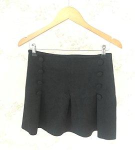 Mini saia Scuba com detalhe de botões - preta