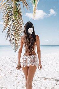 Conjunto de lingerie com cropped + calcinha com regulador + shorts em renda chantilly