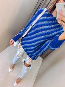 Blusa morcego em tricot com listras diagonais - Azul