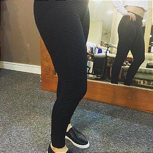 Legging fitness preto com tecido texturizado