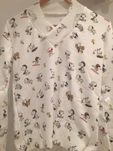 Malha do Snoopy gola V