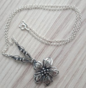 COLAR CHOCKER DE PRATA FLOWER HIBISCO