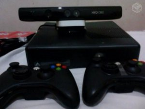 Xbox 360 - Microsoft - Ltu ou RGh com 2 controle + 5 Brindes+kinect+hd 250gb (desbloqueado)