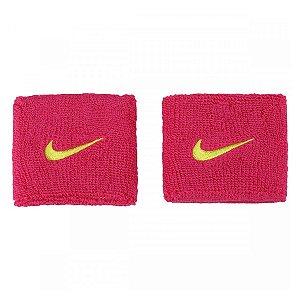 Munhequeira Nike Curta Swoosh Wristbands - Rosa Escuro com Logo Verde