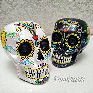 Caveira Mexicana Branca ou Preta com detalhes coloridos (Pequena)