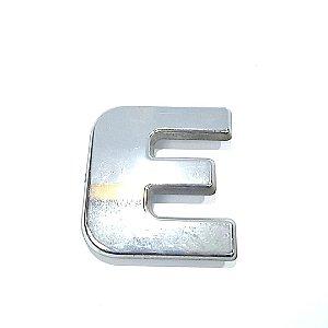 Emblema Grade Iveco Letra E 07 a 17