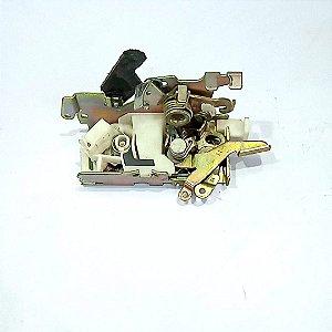 Fechadura Dianteira Manual Sprinter 97 a 11 Lado Esquerdo