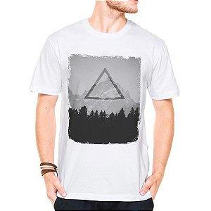 Camiseta Manga Curta Triangulos Floresta