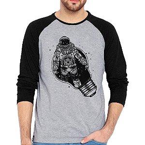 Camiseta Manga Longa Astronauta Glow