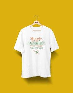 Camisa Universitária - Metade - Nutrição - NUTRICIONISTA - Basic