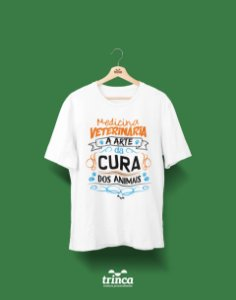 Camisa Universitária Medicina Veterinária - A cura - Basic