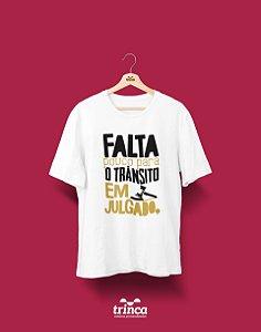 Camisa Universitária Direito - Trânsito em julgado - Basic
