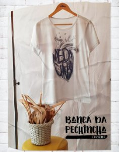 Camiseta Universitária - Medicina - Listen to your heart - Basic