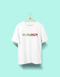 Camiseta Universitária - Turismo - Colagem - Basic