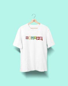 Camiseta Universitária - Design Gráfico - Colagem - Basic