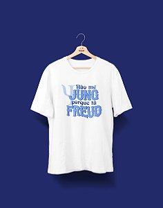 Camiseta Universitária - Psicologia - Tá Freud - Basic