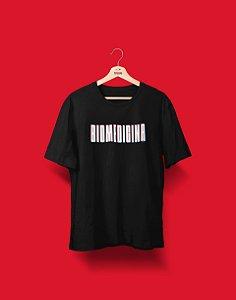 Camiseta Universitária - Coleção 3D - Biomedicina - Basic