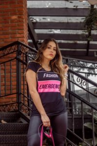"T-Shirt ""Fashion Emergency"" - Preto"