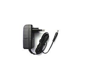 Carregador Bivolt Parafusadeira Black E Decker GC9600