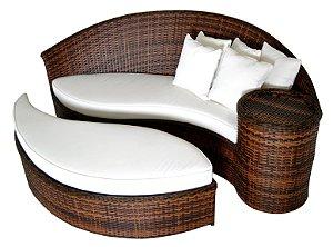 Chaise Ágata com Mesa Lateral e puff em Alumínio Revestido e Fibra Sintética