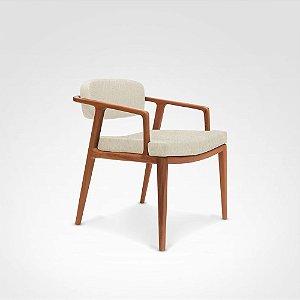 Cadeira Prosa madeira Jequitibá amêndoa com assento e encosto estofados