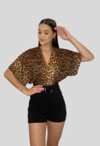 Body Morcego com Decote Animal Print Onça