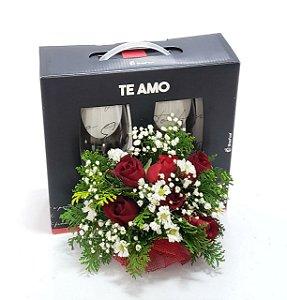 Flores Para O Dia dos Namorados e Taças