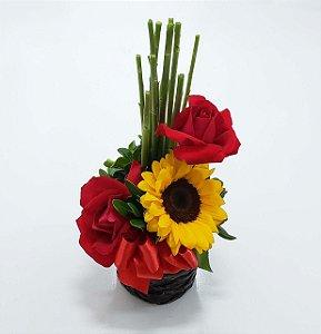 Girassol e Rosas Arranjo