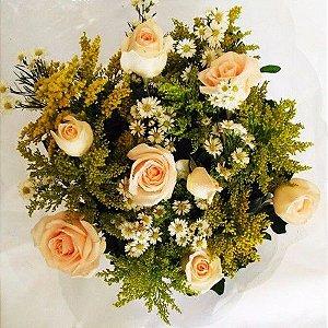 Bouquet de Rosas  Coloridas ou  Vermelhas com 06 unds.