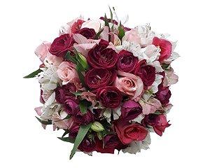 Buquê de Noiva com Mini Rosas, Rosas e Astromélias