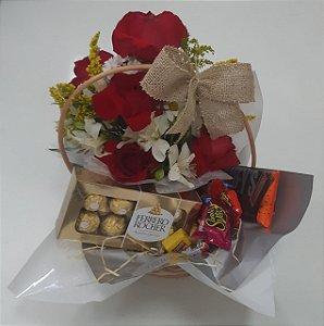 Cesta de Chocolate com Rosas e Ferrero